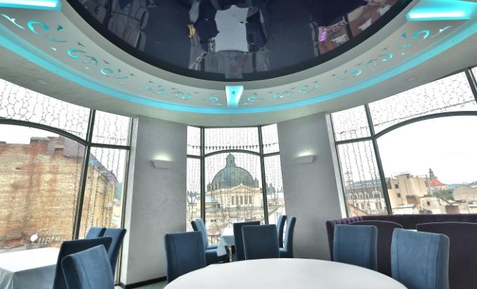 af34c59e0bf96b Ексклюзив кафе «Фотель» – затишне кафе в самому центрі Львова. Затишне  місце для всієї родини. Неймовірний панорамний вид з вікна в поєднанні зі  смачними ...