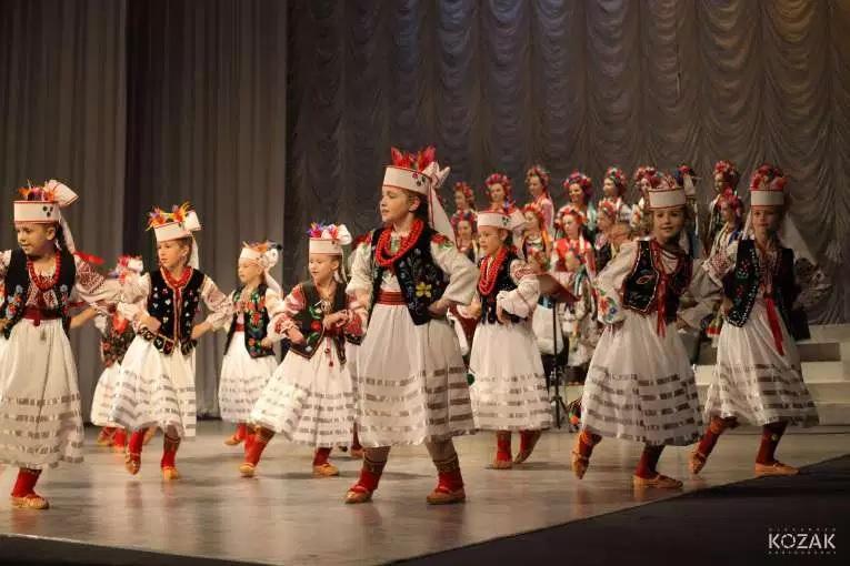 koncert-dityachogo-ansamblyu-pisanka.jpg (126.75 Kb)