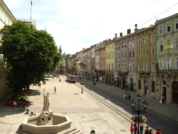 lviv_plosza_rinok_003.jpg (1.7 Kb)