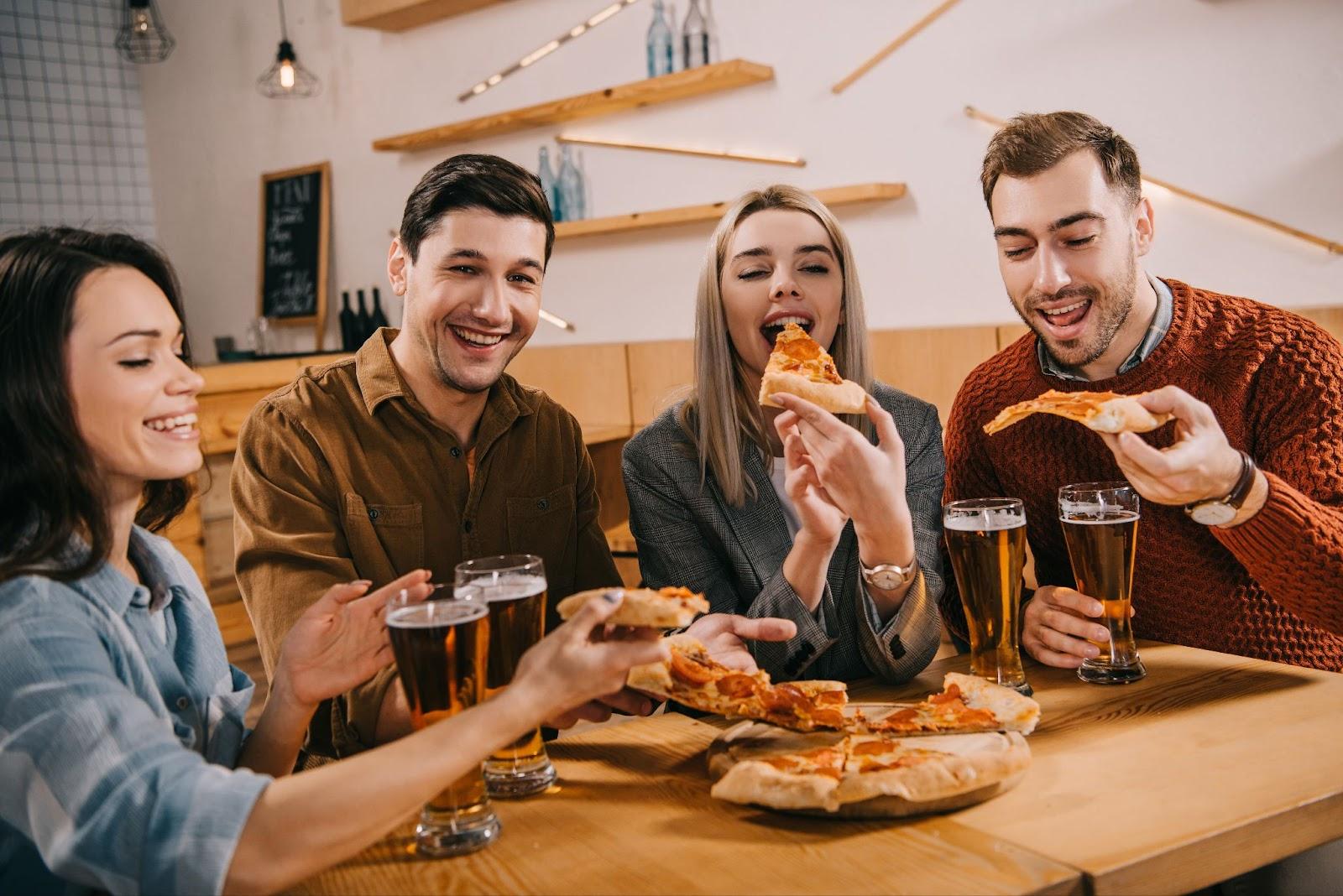 pizza-friends.jpeg (308. Kb)